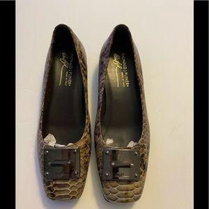 Donald J Pliner snake print loafer 6.5